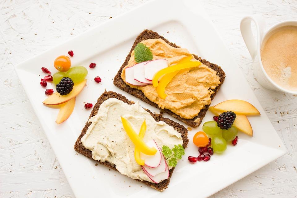Sugestii pentru mic dejun la birou